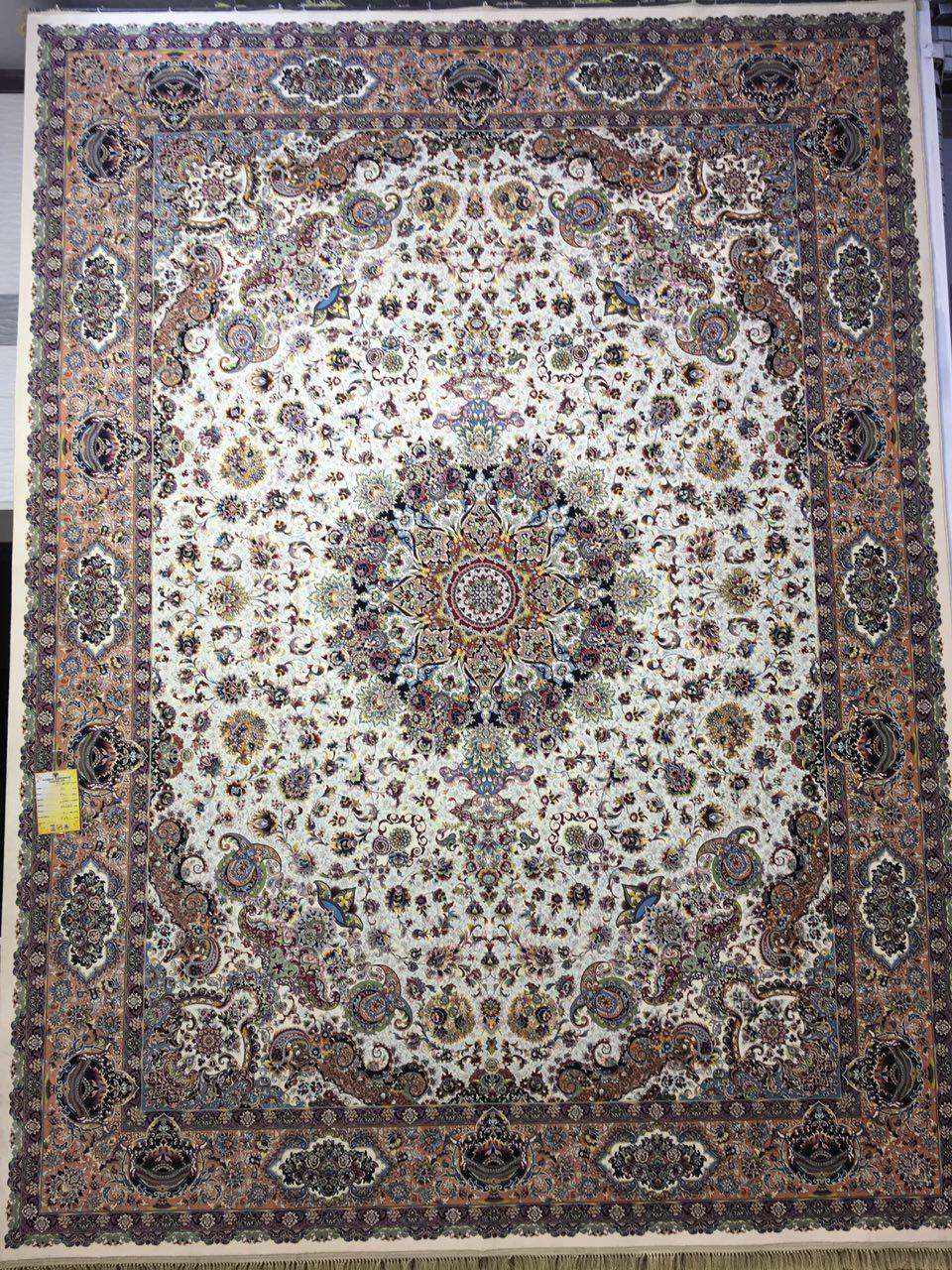 فرش کاشان – ۱۲۰۰ شانه – طرح قره باغی