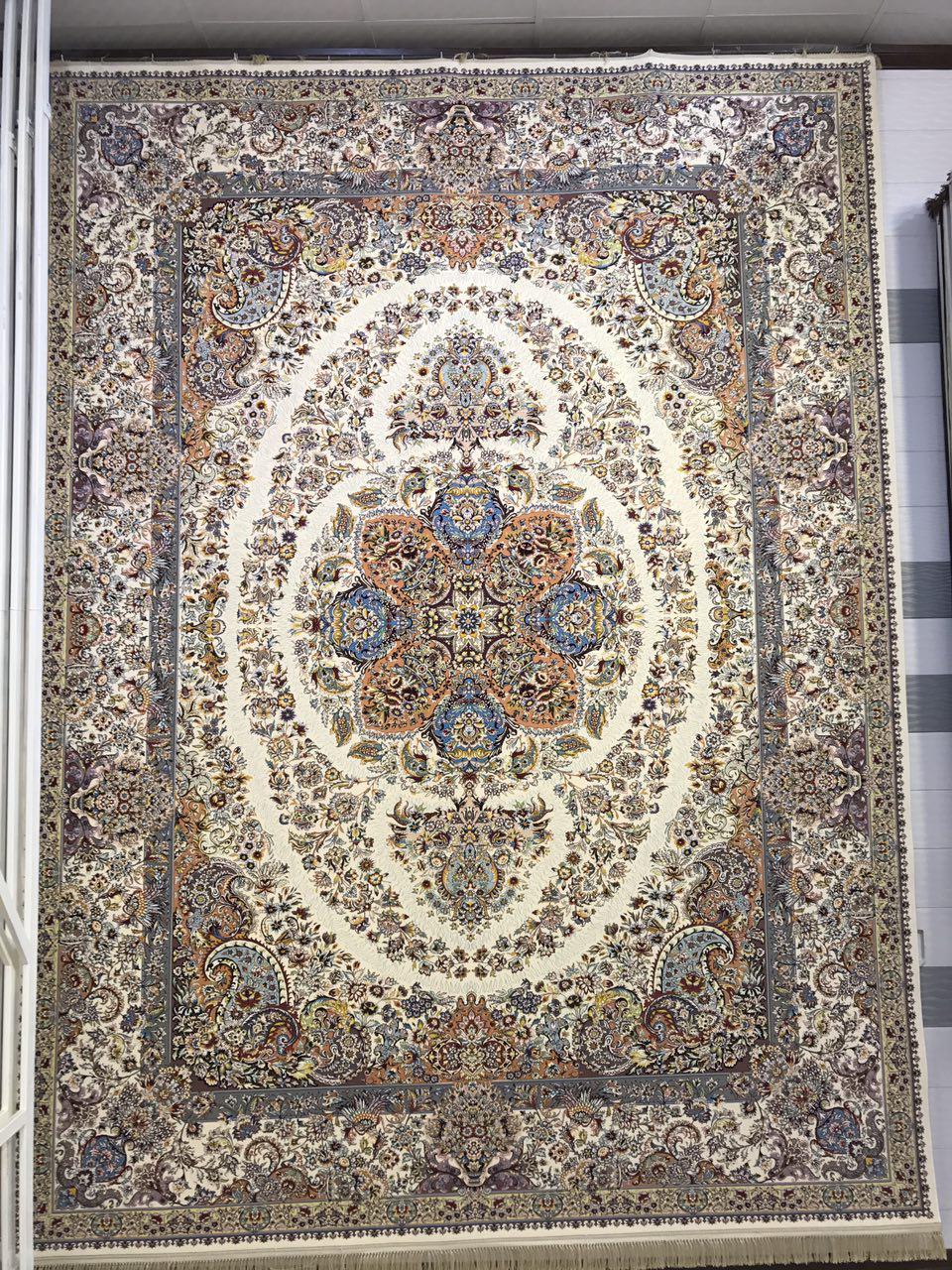 فرش کاشان – ۱۲۰۰ شانه – طرح نادیا