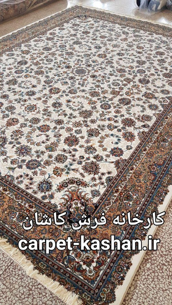 فرش کاشان نقشه گل افشان کرم | ۷۰۰ شانه کارخانه فرش کاشان