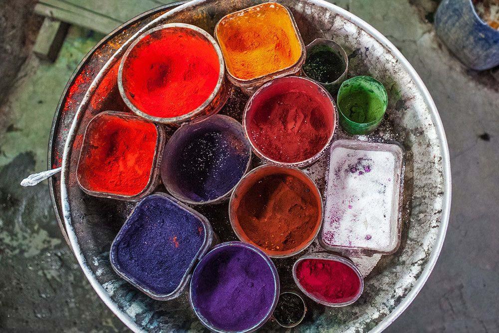 طرز ساختن رنگهاي مورد مصرف در نقشه فرش