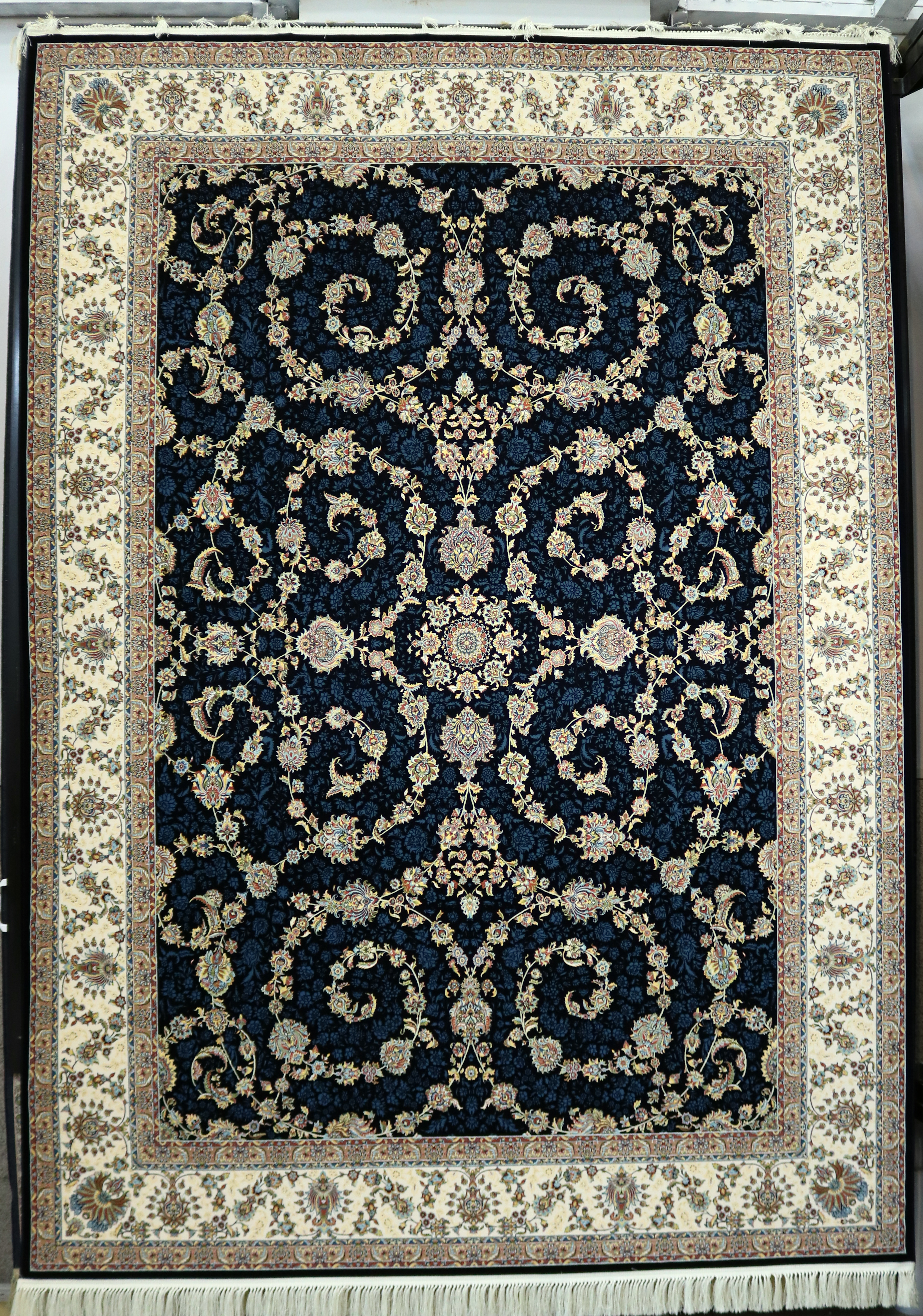فرش کاشان – 1200 شانه برجسته طرح افشان اسلیمی