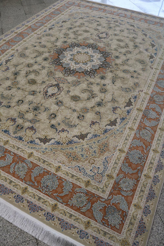 فرش کاشان – ۱۲۰۰ شانه برجسته نقشه علیا تبریز