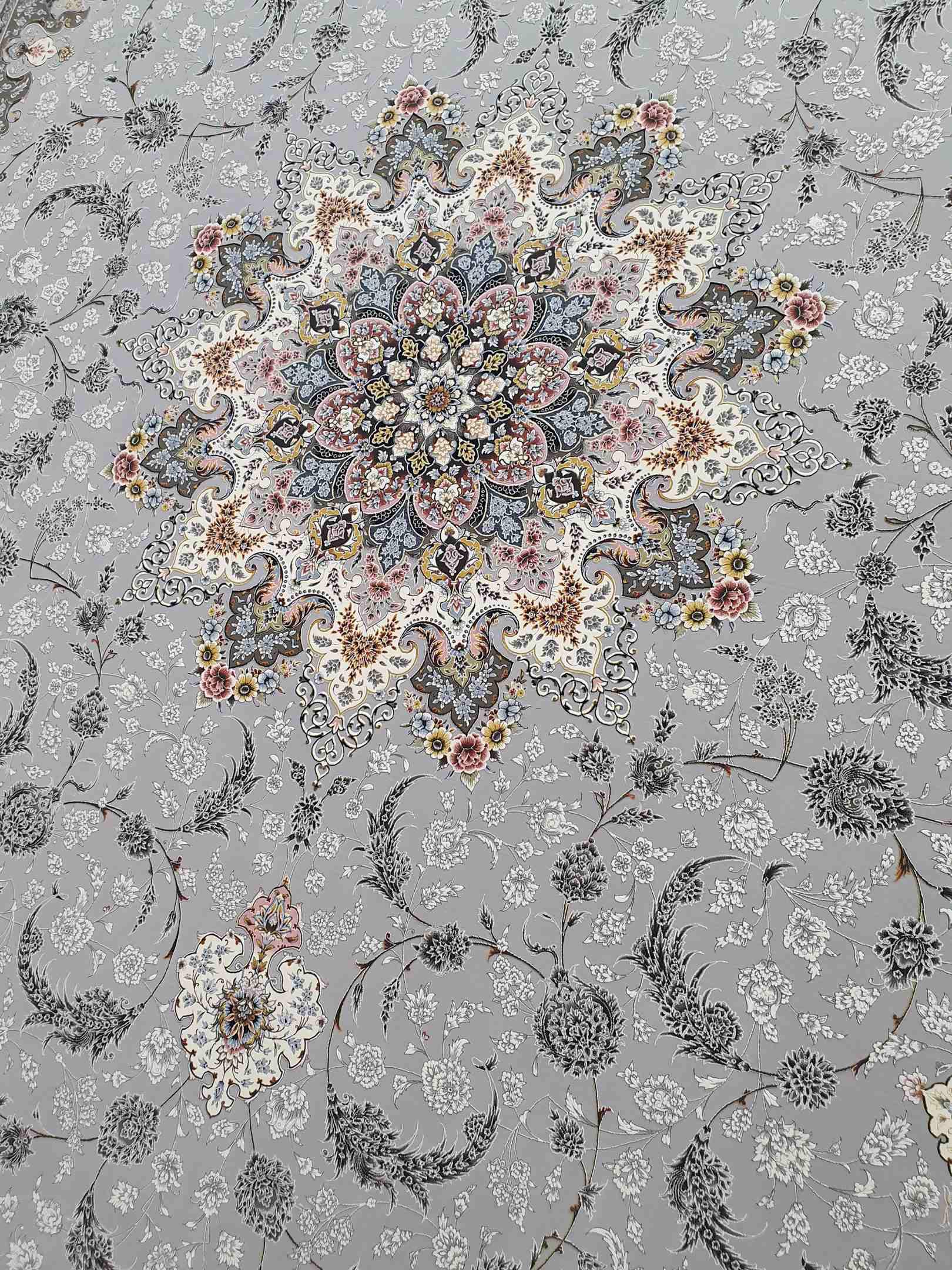 نقشه اصفهان رنگ نقره ای